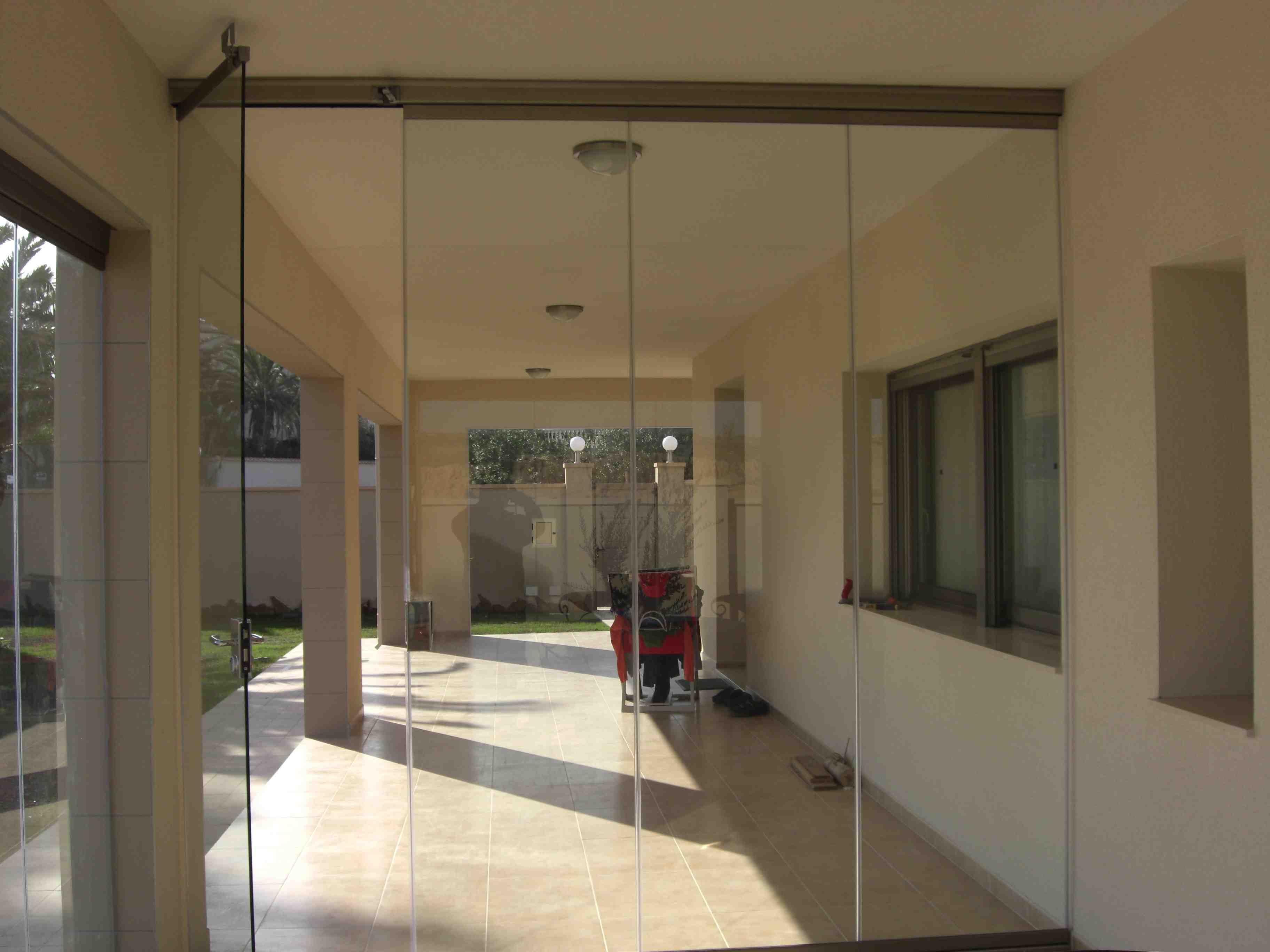 Cerramientos de cristal en orihuela la zenia alicante for Cerramientos oficinas
