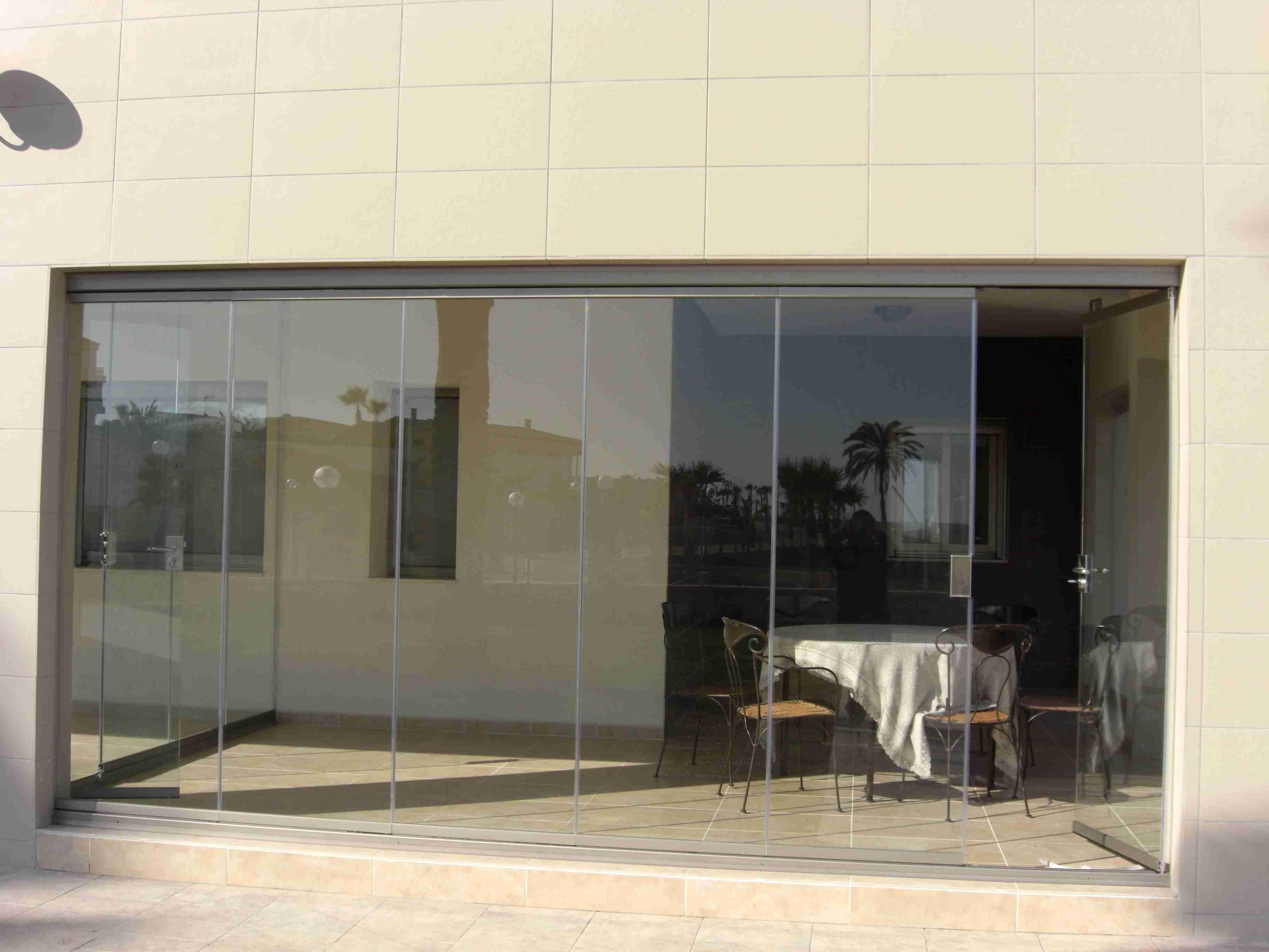 Cerramientos de cristal cerramientos y cristales para for Cerramientos oficinas